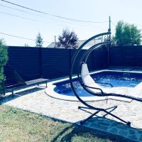 Luxury 3 Bedroom Pool Villa, hotel din Gulia