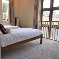 2 Bed Luxury Duplex Hebden Bridge Sleeps 5, hotel in Hebden Bridge