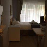 Résidence Services Seniors Domitys - Les Safrans, hotel in Dives-sur-Mer