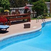 The Perfect Retreat, hotel em Kawartha Lakes