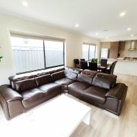 Comfortable 4BR 2Bath House Tarneit Melbourne独栋别墅