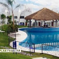 Bonita Casa en Condominio con Alberca y Acceso al Lago