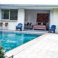 Idyllic studio with private pool, hotel in Nicosia