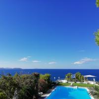 Beautiful, Private Villa by the Sea, hotel in Aghia Marina