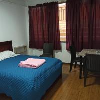 Habitaciones y Apartamentos Vellisimo Center, hotel em Loja