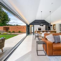 The Barn : Luxury Indoor/Outdoor Countryside Bliss, hotel in Clipston