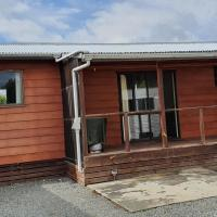 Time Out Cottages, hotel in Manapouri