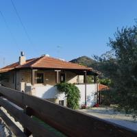Lola's Cottage & Garden, hotel in Kalokhorio