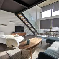 Loft with indoor swimming pool & SPA in Alcobendas, Madrid, hotel in Alcobendas