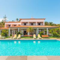 Feels Like Home Luxury Villa Mar with Private Sea Access, hotel in Caniçal