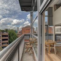 Penthouse apt for 4, skyline views, central MCR!