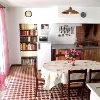House with 3 bedrooms in Mira 5 km from the beach, hotel in Mira
