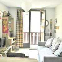 Appartement d'une chambre a Aiguilles avec magnifique vue sur la montagne et balcon a 5 km des pistes, hotel in Aiguilles