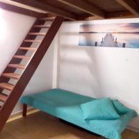 Studio a La Trinite avec terrasse a 100 m de la plage, hotel in La Trinité
