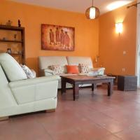 House with 3 bedrooms in Puerto del Rosario with wonderful sea view enclosed garden and WiFi, hotel in zona Aeroporto di Fuerteventura - FUE, Puerto del Rosario