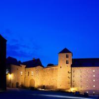 Hôtel Le Château Fort de Sedan, hotel in Sedan