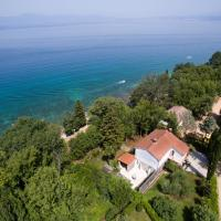 5 bedroom holiday home by the sea in Njivice, hotel in Njivice