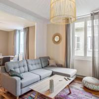 Charming large flat at the heart of Grenoble old city - Welkeys