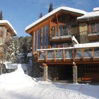 Discovery's Woodhaven 8 in Sun Peaks, hotel in Sun Peaks