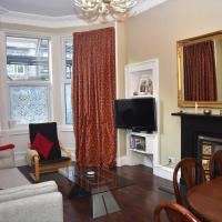 Cosy 2BR close to trendy Newington & Old Town