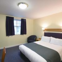 The Mount by Greene King Inns, hotel in Wigan