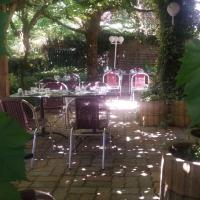 Auberge des Tilleuls, hôtel à Badefols-d'Ans