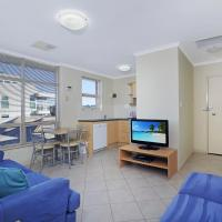 Stylish Comfortable 2 bdrm Glenelg North, hotel in Glenelg
