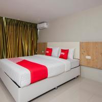 OYO 1677 Gapura Hotel, hotel di Lumbanlobu