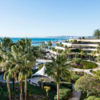 Holiday Inn Nice - Port St Laurent, an IHG Hotel, hotel u gradu 'Saint-Laurent-du-Var'