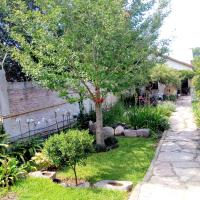 B&B Garden Atelier, hotel in La Cumbre