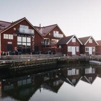 Björholmens Marina & Hotell