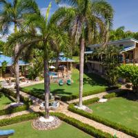 Ocean Beach house,PRIVATE Tango Mar Resort estate 3 dwellings 15 people, hotel in Tambor