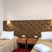 Hotel Karczówka, отель в Кельце