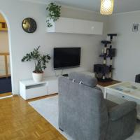 Big apartment 25 minutes from center of Warsaw, hotel in Pruszków