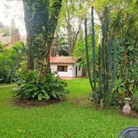 Bungalow en medio de la naturaleza, hotel en Loma Hermosa