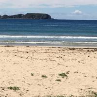 Surf Beach Holiday, hotel in Sunshine Bay