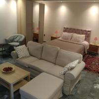 Georges luxury Apartments near Marathon beach and airport, hotel in Nea Makri