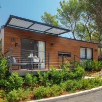 Gava Waterman Island Cottages - All Inclusive, hotel in Milna