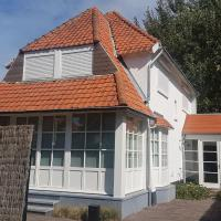 Detached holiday villa in a quiet neighbourhood near the centre and the beach