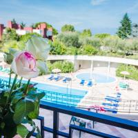 Hotel Residence Holiday, hotell i Sirmione
