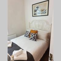 South Shield's Hidden Gem Garnet 3 Bedroom Apartment sleeps 6 Guests