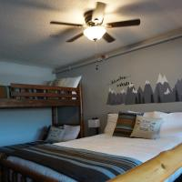 Northern Adventures Hideaway at Lutsen Mountain, hotel in Lutsen