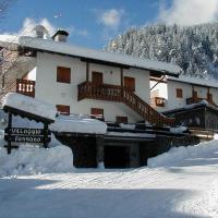 Villaggio Fassano, hotel in Campestrin