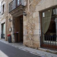 Fonda Mitjà, hotel in Torroella de Montgrí