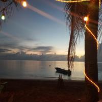Las Palmeras Oceanfront Hotel, hotel in Little Corn Island