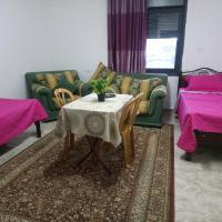 Al Raya Suites Apartment، فندق في رام الله