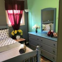 Relaxing Room 4 mins from JFK and 15 mins from LaGuardia, hotel in Laurelton