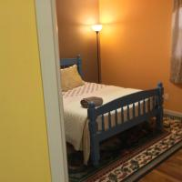 Beautiful Room 4 mins from JFK and 15 mins from LaGuardia Airports, hotel in Laurelton