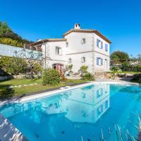 Charming garden level apartment near Antibes !
