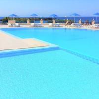 Zorbas Beach Village Hotel, hotel in Stavros